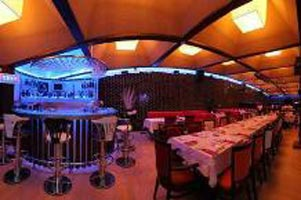 Piano Plus Restaurant & Club / Ankara